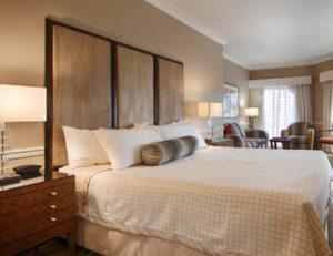 Novato Oaks Inn guestroom interior